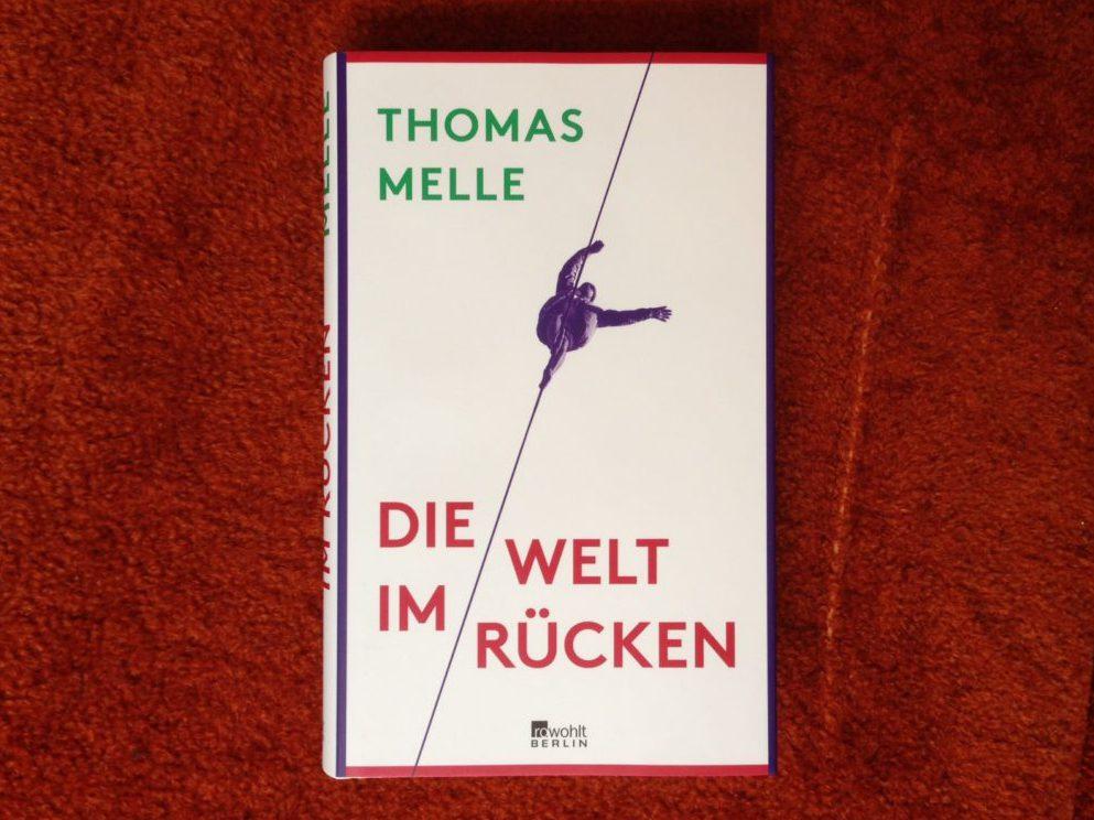 """""""Die Welt im Rücken"""" im Akademietheater"""